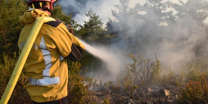 30 hectares de forêt parcourus dont 15 brûlés à Guillaumes, 80 pompiers toujours mobilisés