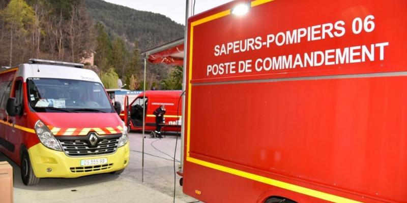 Le feu de Guillaumes en cours d'extinction, un pompier blessé évacué aux urgences