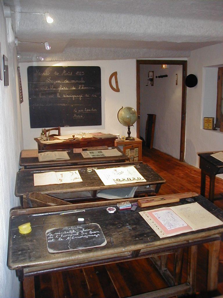 Salle de classe dans le musée des arts et traditions