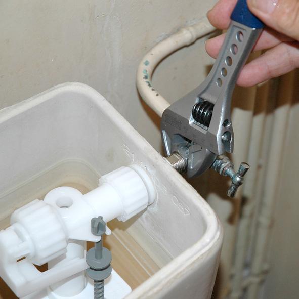 Remplacement, Réparation chasse d'eau Guillaumes 06470